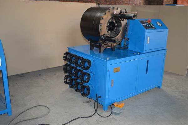 3 '' - Puristus-Machine